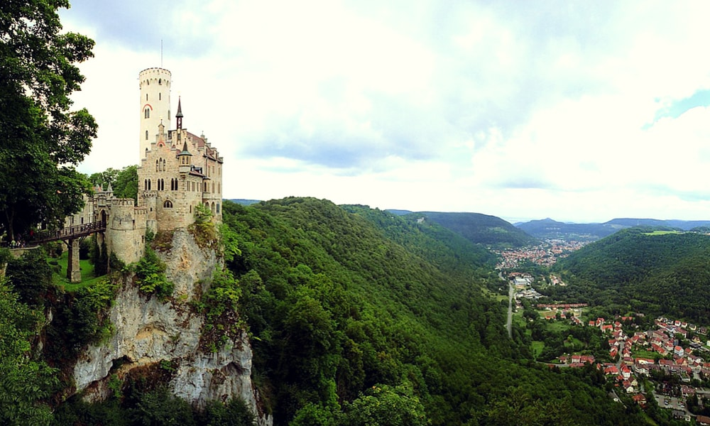 Lichtenstein Castle and its magnificent location