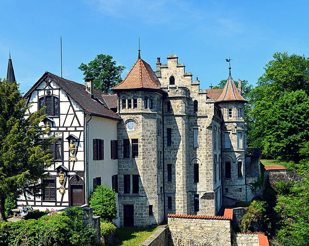 Lichtenstein Castle, the outer bailey