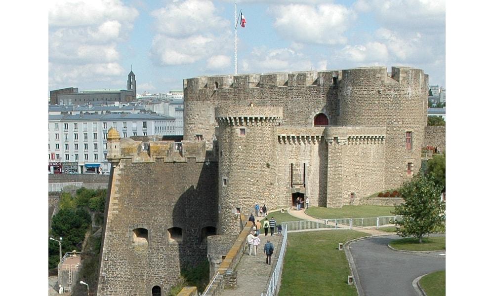 castle brest