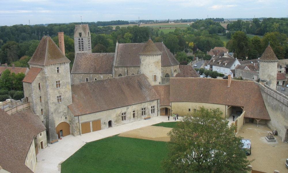 castle of blandy-les-tours