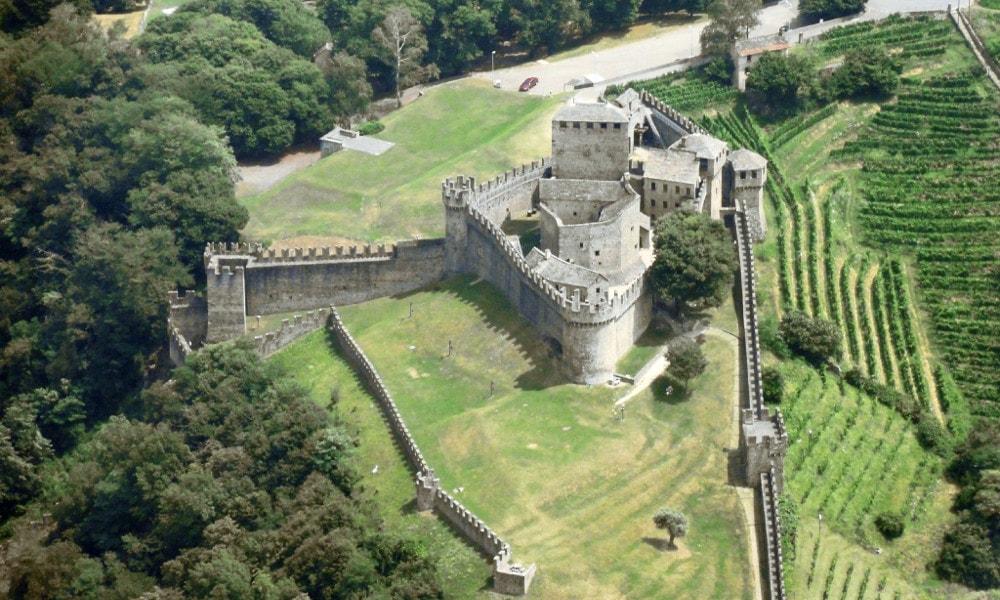 castle of montebello