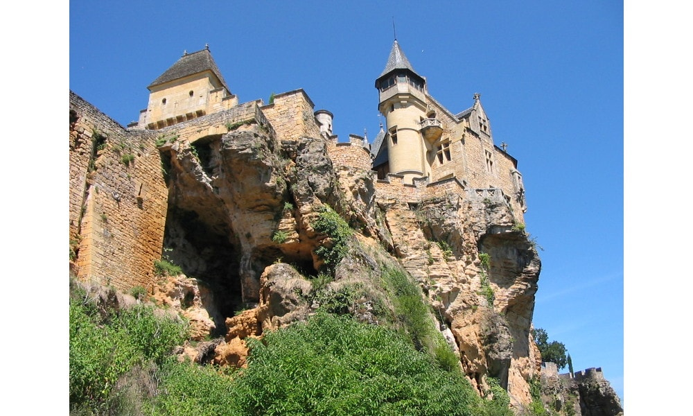 castle of montfort