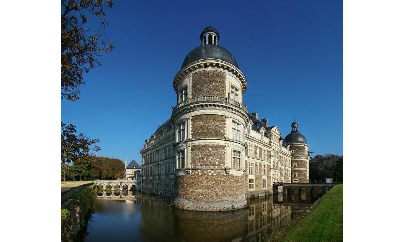 castle of serrant