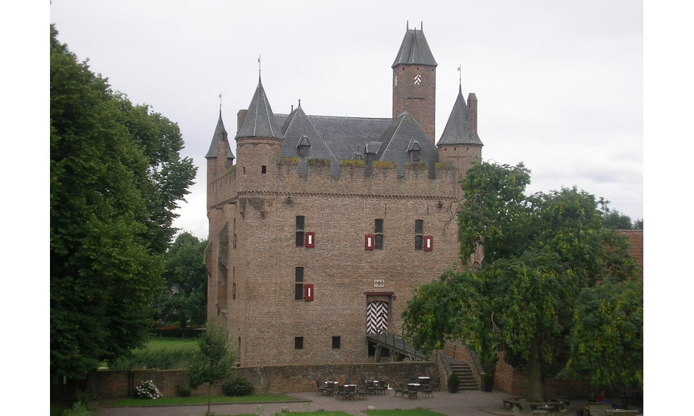 doornenburg castle
