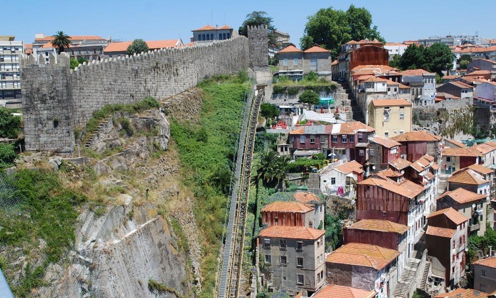 fernandina wall