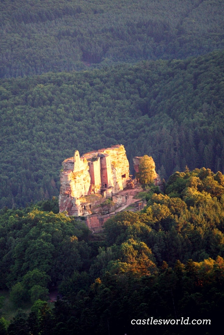The Castle of Fleckenstein was once an impregnable fortress built high above the forests of the Vosges and the Palatinate. The castle has had a long history and it has been modified and modernized many times; today, it offers exceptional views over the Northern Vosges and Palatine Nature Parks